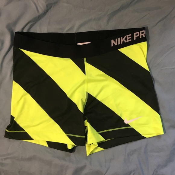 nike 3 inch compression shorts